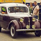 Renault Juvaquatre - Vintage French Car by Buckwhite