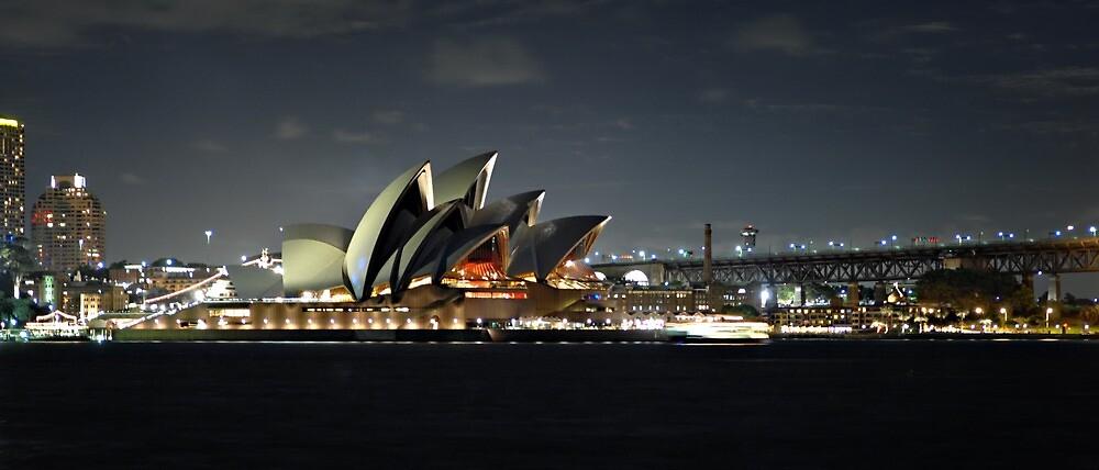 Sydney Opera House by Ralph  Meznar
