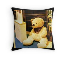 "Bear ""de luxe"" Throw Pillow"