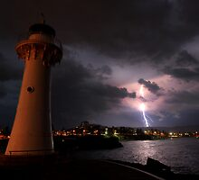 Wollongong's Historic Lighthouse by steen