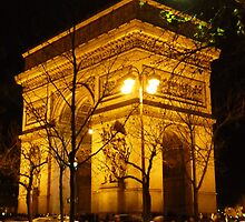 Arc de Triomphe at night by bubblehex08