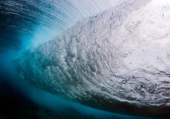 Breaking wave by Carlos Villoch