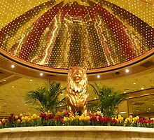 Las Vegas Lion by Jerry Deutsch