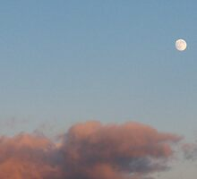 Pink Clouds/Moon shootout by MarianBendeth