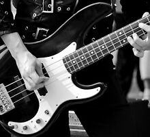 Bass player by MaluC