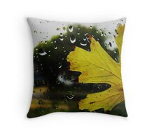 Cling for dear life Throw Pillow