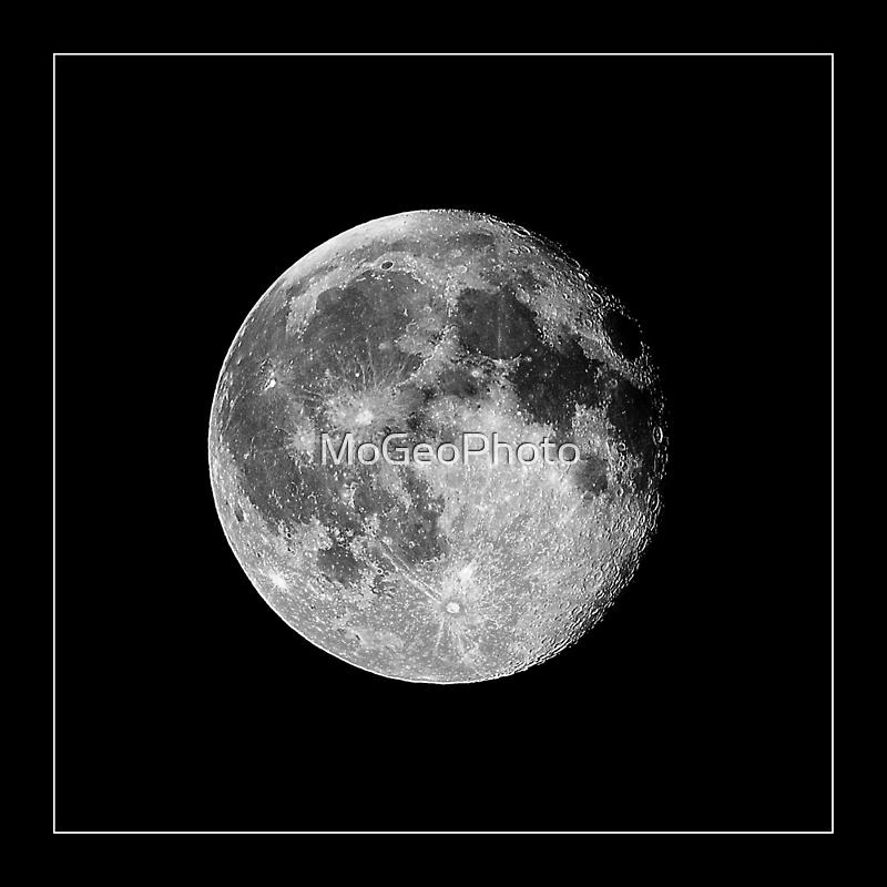 Moon by MoGeoPhoto