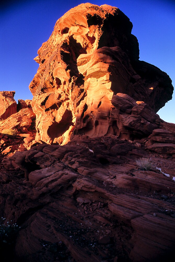 Valley of Fire Monolith 2 by Tom Fant