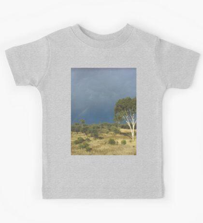 an awe-inspiring Australia landscape Kids Tee
