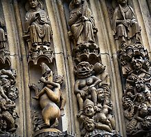 Notre Dame Door arch by martinilogic