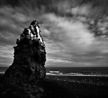Pinnacle (B&W) by PaulBradley