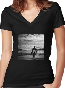 Heading Out - B&W Halftone Women's Fitted V-Neck T-Shirt