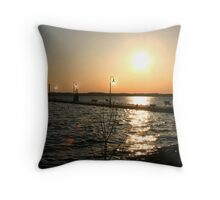 Grand Rivers : Kentucky Throw Pillow