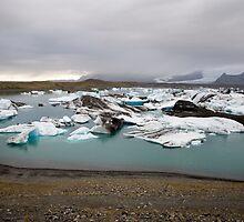 Glacial Ice at Jökulsárlón, Skaftafell, Iceland by hinomaru