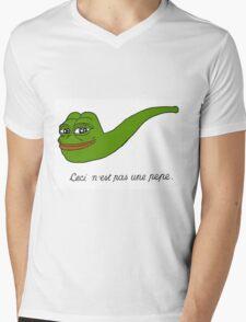 Ceci n'est pas une pepe Mens V-Neck T-Shirt