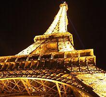 Tour Eiffel de nuit by Camilla