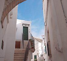 Locorotondo Street  by jojobob