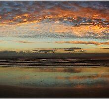 Pano Saunders Sunrise by beachut