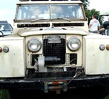 Vintage Land Rover by Iva Penner