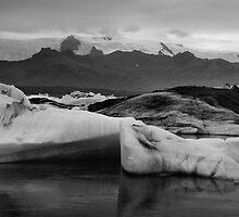 Jökulsárlón, Skaftafell, Iceland by hinomaru