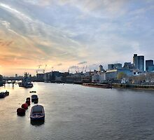 Sunset on the Thames by Mario Curcio