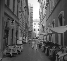 Couple strolling through Rome, Italy by Giovanni Vincenti