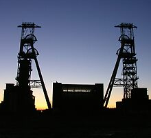 Sunset - headstocks at clipstone pit by Jodie  Davison