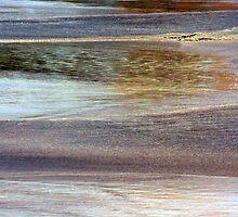 Wave Arrival by Haydee  Yordan