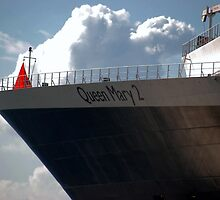 Queen Mary 2 by QuietStorm