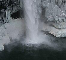 Snoqualmie falls in Winter by skreklow