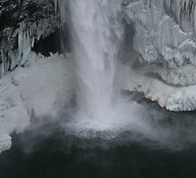 Snoqualmie falls in Winter by skreklow