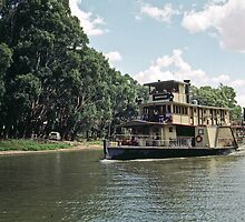 19990227 Murray at Echuca w Paddle steamer Emmy Lou by Fred Mitchell