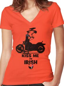 Kiss me I'm Celty Women's Fitted V-Neck T-Shirt