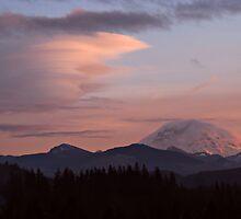 Mount Rainier and Lenticular Cloud by Kathy Yates