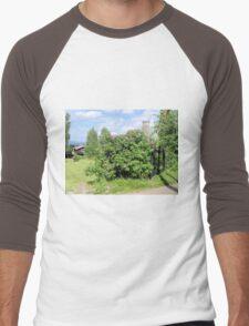 Shrub Laden Gate Men's Baseball ¾ T-Shirt