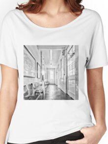 Kingsbury Tube Station Women's Relaxed Fit T-Shirt
