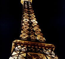 Light up the Vegas skyline. by rlh1973