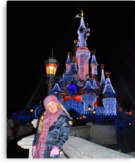 Annabel in Disneyland by Adri  Padmos