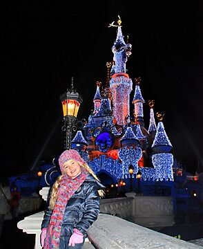 Annabel in Disneyland by Adri  Padmos