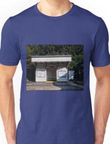 North Ealing Tube Station Unisex T-Shirt
