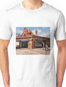 Southfields Tube Station Unisex T-Shirt