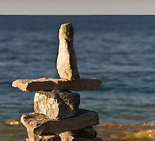 Inukshuk close to Georgian Bay , Canada by alopezc72