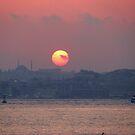 A sunset in Istanbul (TÜRKİYE) by rasim1
