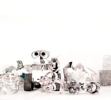 A helping Wall-e by HelenaBrophy