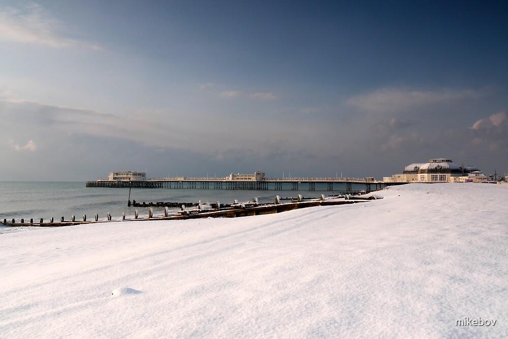 Snow beach by mikebov