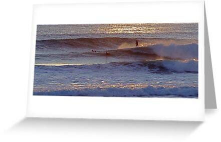 Surfers  at  Carcavelos by BaZZuKa