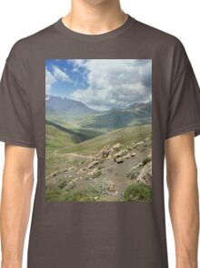 a large Uzbekistan landscape Classic T-Shirt