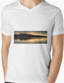 Comox lake Vancouver island Mens V-Neck T-Shirt