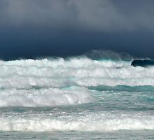 Hawaii Surf Advisory, Christmas Day 2009 by Russ Underwood