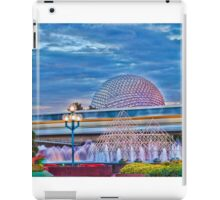 Monorail Yellow: Blurs past Spaceship Earth iPad Case/Skin